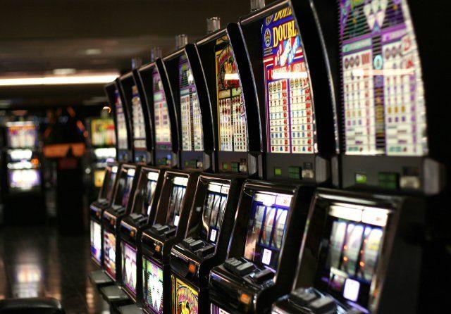 Азартные игры в казино Ice
