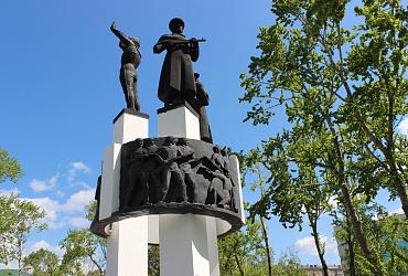 В Южно-Сахалинске благоустраивают сквер Пограничников