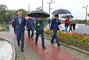 Максим Егоров проверил подготовку к зиме и осмотрел объекты городской среды в Еврейской автономной области