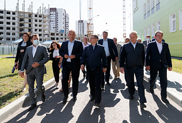 Глава Минстроя России призвал активнее привлекать девелоперов к реализации программ расселения аварийного жилья