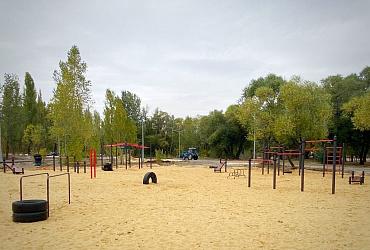 В Липецке на Центральном пляже устанавливают перголы