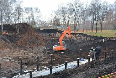 В уфимском парке «Волна» ведется благоустройство водоема и строительство амфитеатра
