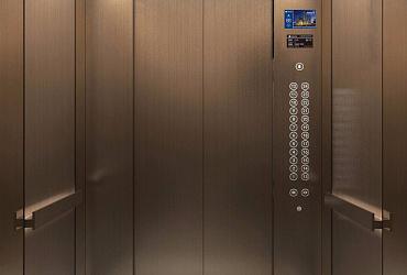 В Ленинградской области за год заменили 345 лифтов