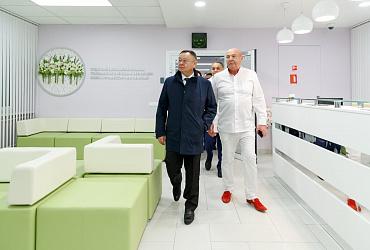 Ирек Файзуллин осмотрел ход строительства отделений НМИЦ акушерства, гинекологии и перинатологии имени академика В.И.Кулакова