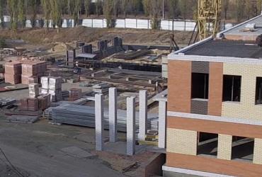 Завершены работы по устройству фундамента спортзала школы в Волгограде