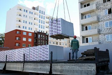 В Пензе завершается строительство двух многоквартирных домов, в которых 225 квартир предназначены для переселенцев из аварийного жилья