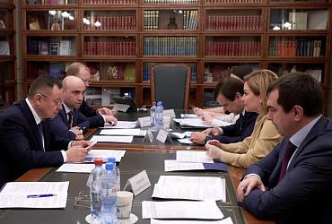 Ирек Файзуллин и Ольга Любимова обсудили ход строительства объектов культуры
