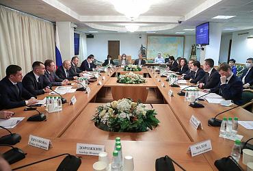 Замминистра принял участие в заседании Госдумы на тему перехода на проектное финансирование