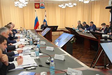 Глава Минстроя России принял участие в заседании совета при полпреде Президента в ДФО