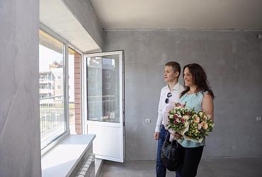 Минстрой России открыл прием заявок на обеспечение жильем молодых семей до 2024 года